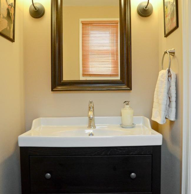 Structure Bathroom Renovation Ottawa – Simple Vanity Features